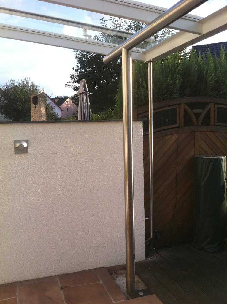 Veranda aus pulverbeschichteten Aluminiumprofilen mit Glasdach 4