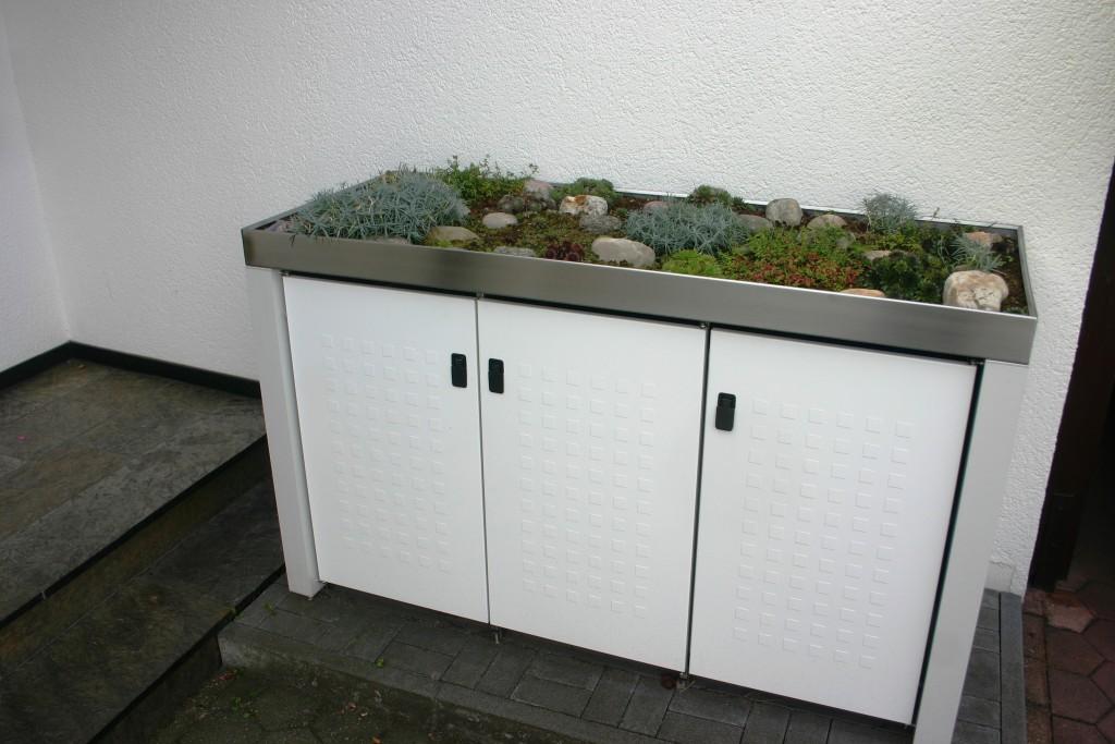 m llbox aus pulverbeschichtetem stahl mit pflanzwanne aus. Black Bedroom Furniture Sets. Home Design Ideas