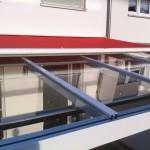 Veranda aus pulverbeschichteten Aluminiumprofilen mit Glasdach
