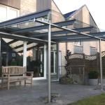Terrassenüberdachung mit Glasdach und Unterglas-Markise